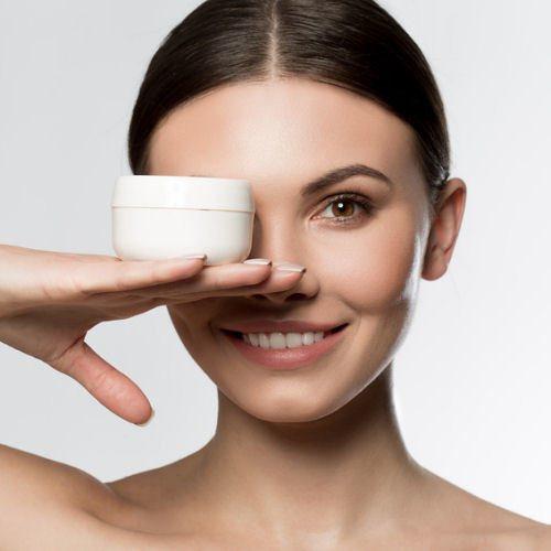 Das richtige Produkt gegen Augenringe und Traenensaecke finden