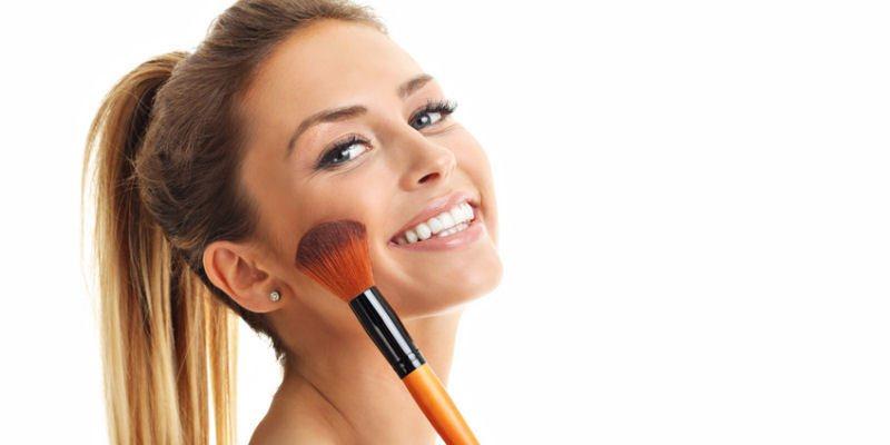 Beauty Tipps zum Ueberschminken von Mitessern und Pickeln