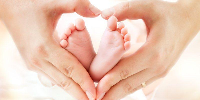 Kinder und Babyfuesse