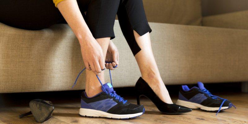 richtiges Schuhwerk tragen gegen Hallux Valgus