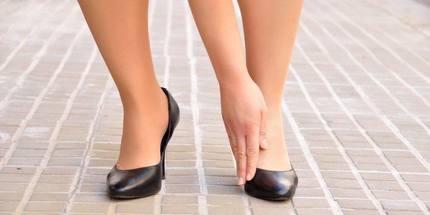 schmale Schuhe verursachen Gelenkprobleme