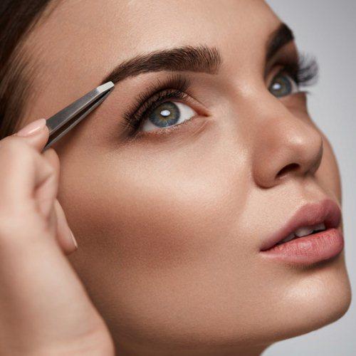 Augenbrauen Serum wirkt und Augenbrauen muessen gezupft werden