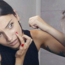 Entstehung der schwarzen Mitesser und Hautunreinheiten